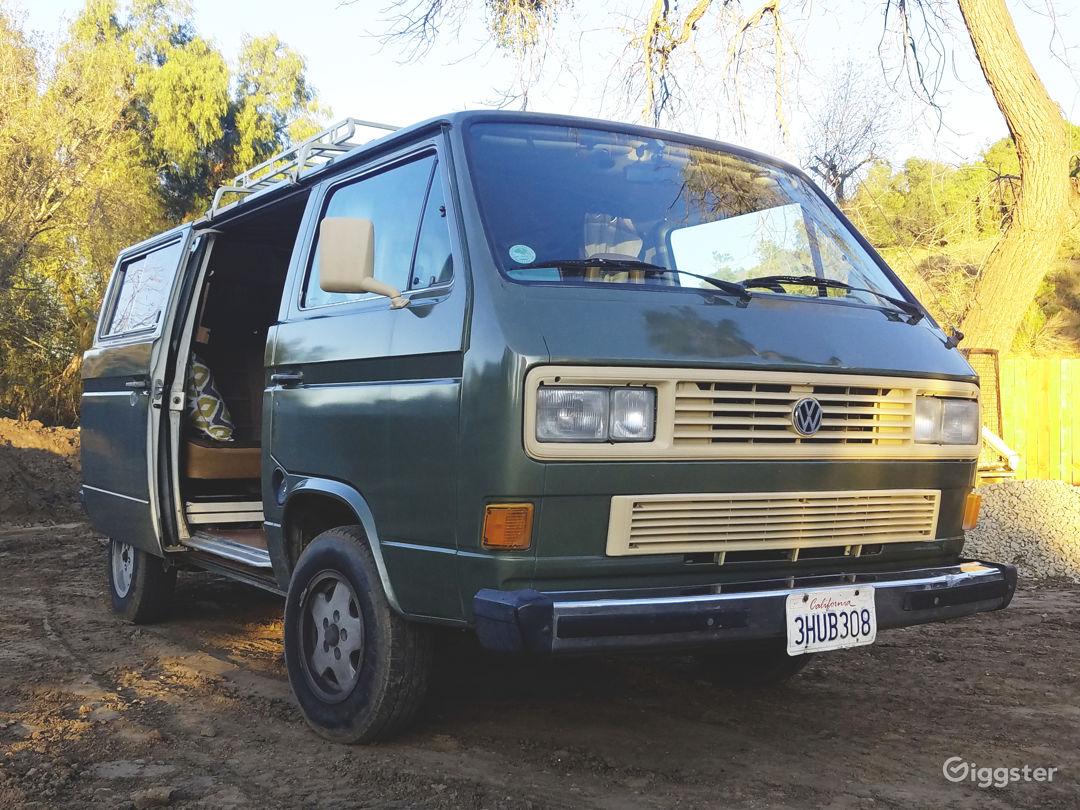 Beautiful and Custom 1986 VW Vanagon Camper Van