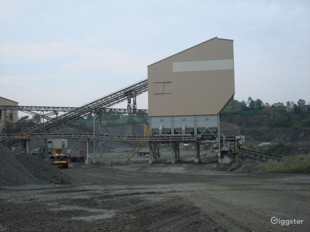 INDUSTRIAL 17 - Huge Operating Gravel Quarry Photo 1