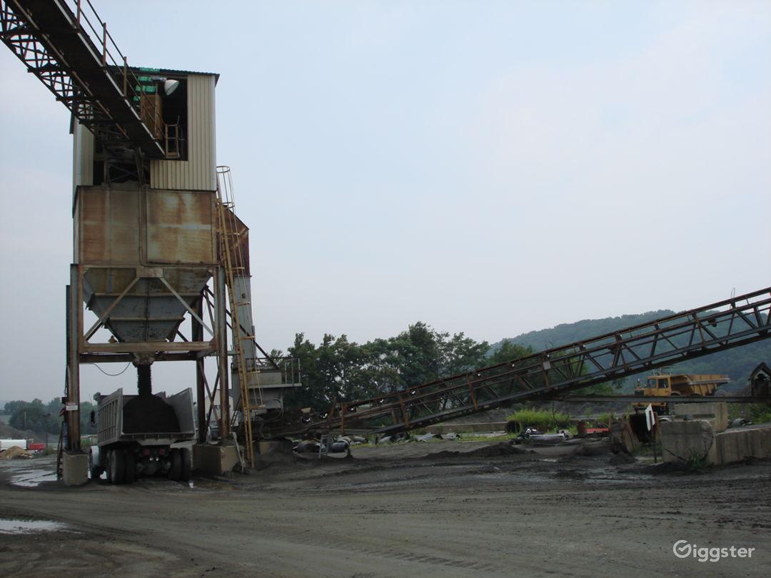 INDUSTRIAL 17 - Huge Operating Gravel Quarry Photo 5