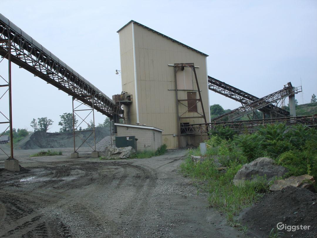 INDUSTRIAL 17 - Huge Operating Gravel Quarry Photo 4