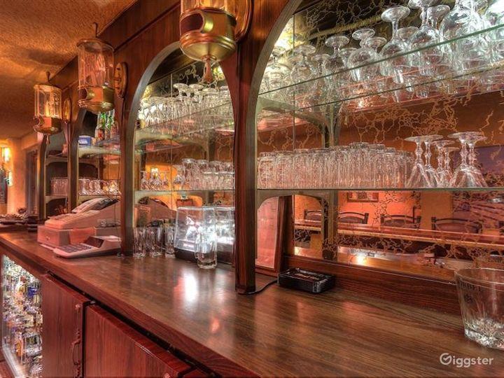 Retro Style Hollywood Bar & Cafe  in LA Photo 4