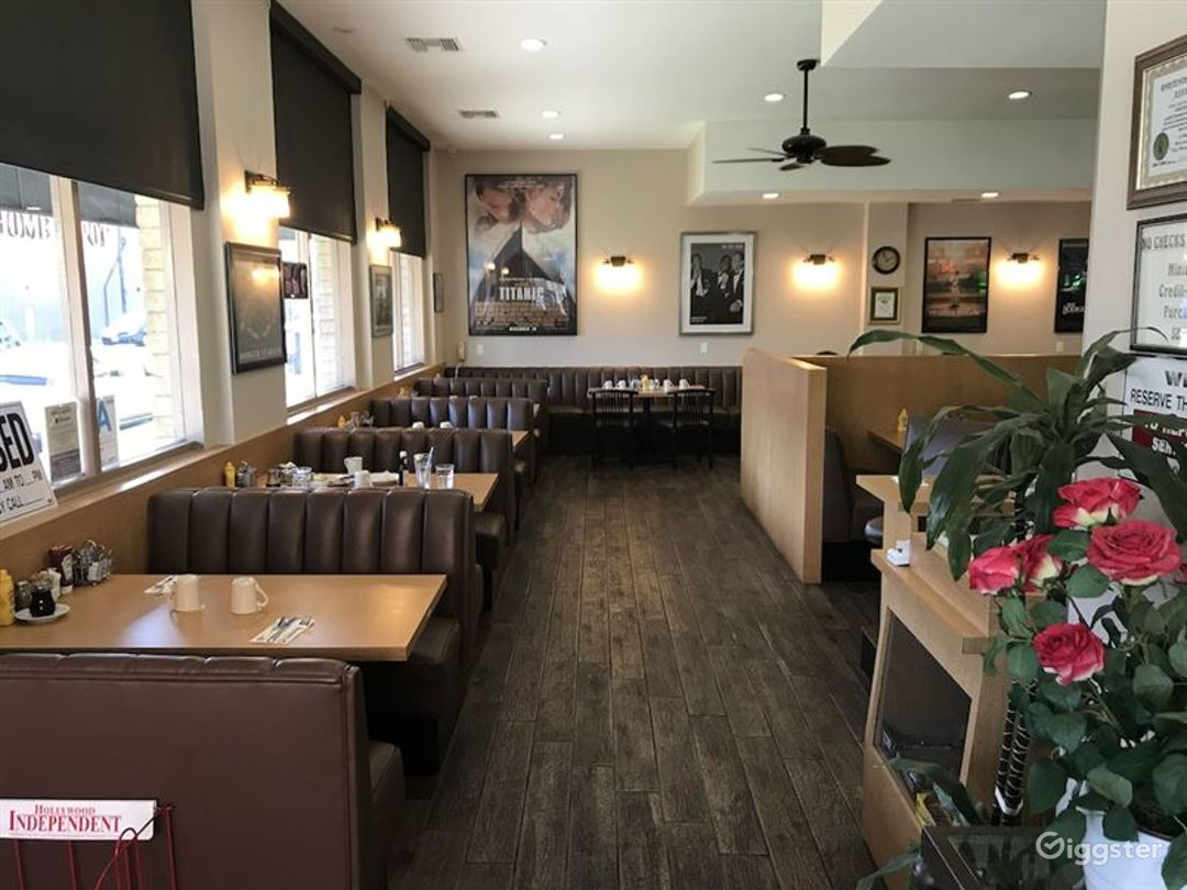 Retro Style Hollywood Bar & Cafe  in LA Photo 1