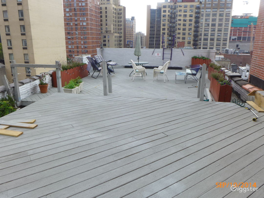 Rooftop With Midtown NYC View Photo 5