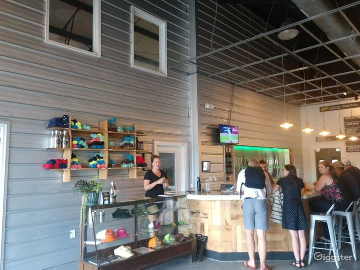 Tremendous Taproom in the Heart of Charleston Photo 4