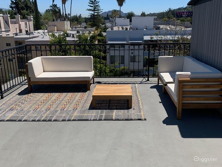 Sun Drenched Bi Level Loft with Private Rooftop Photo 3
