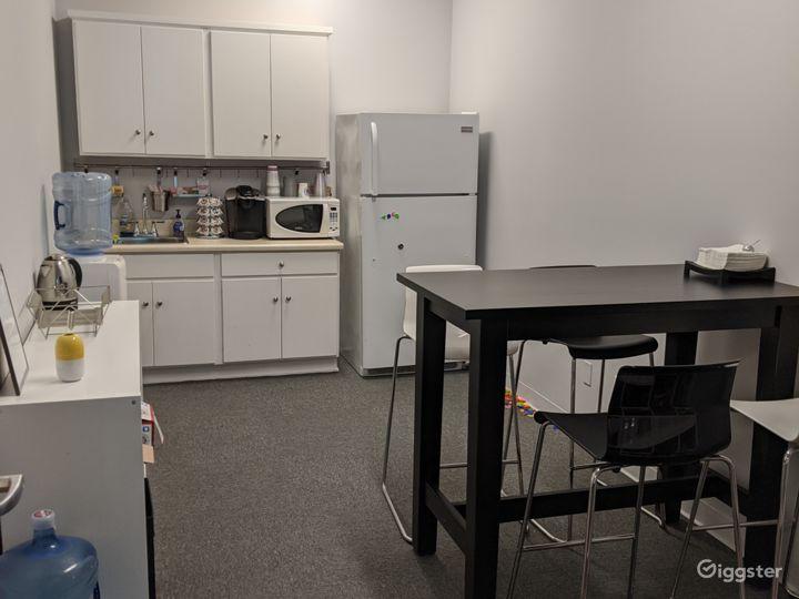 Private Office 204-C in Burbank Photo 4