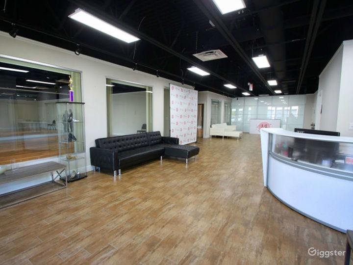 Spacious Dance Studio in Hallandale Beach Photo 4