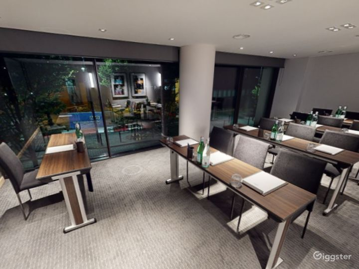 Beautiful Private Room 5 in Manchester Photo 4
