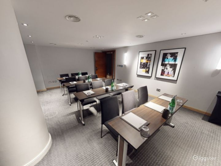 Beautiful Private Room 5 in Manchester Photo 5