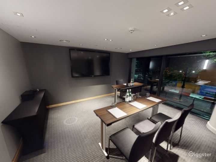 Beautiful Private Room 5 in Manchester Photo 3