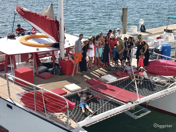 Relaxed and Spacious 49FT CATAMARAN Party Boat Space Events  Photo 5