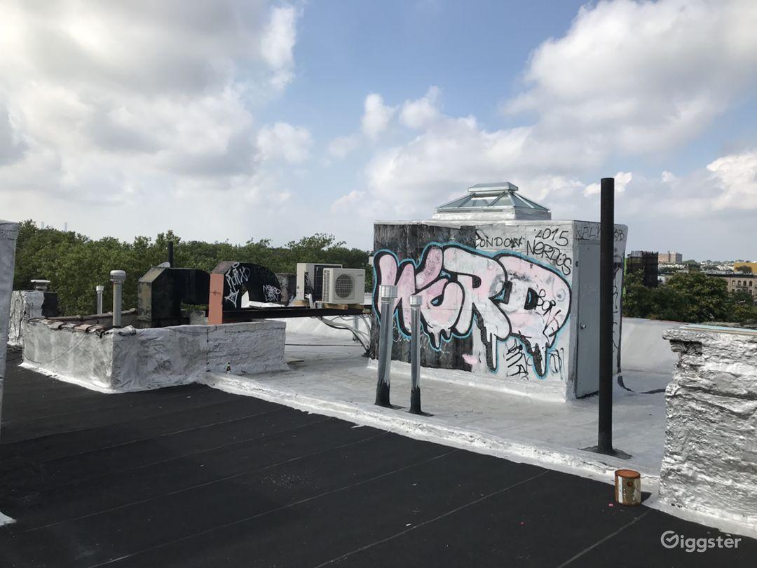 Bushwick Rooftop & Holding Home Photo 4