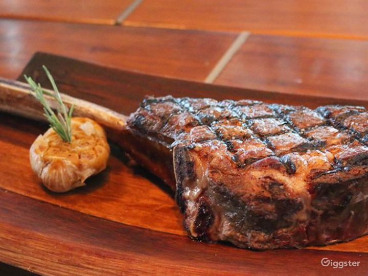 Modern and Innovative Steakhouse Photo 4