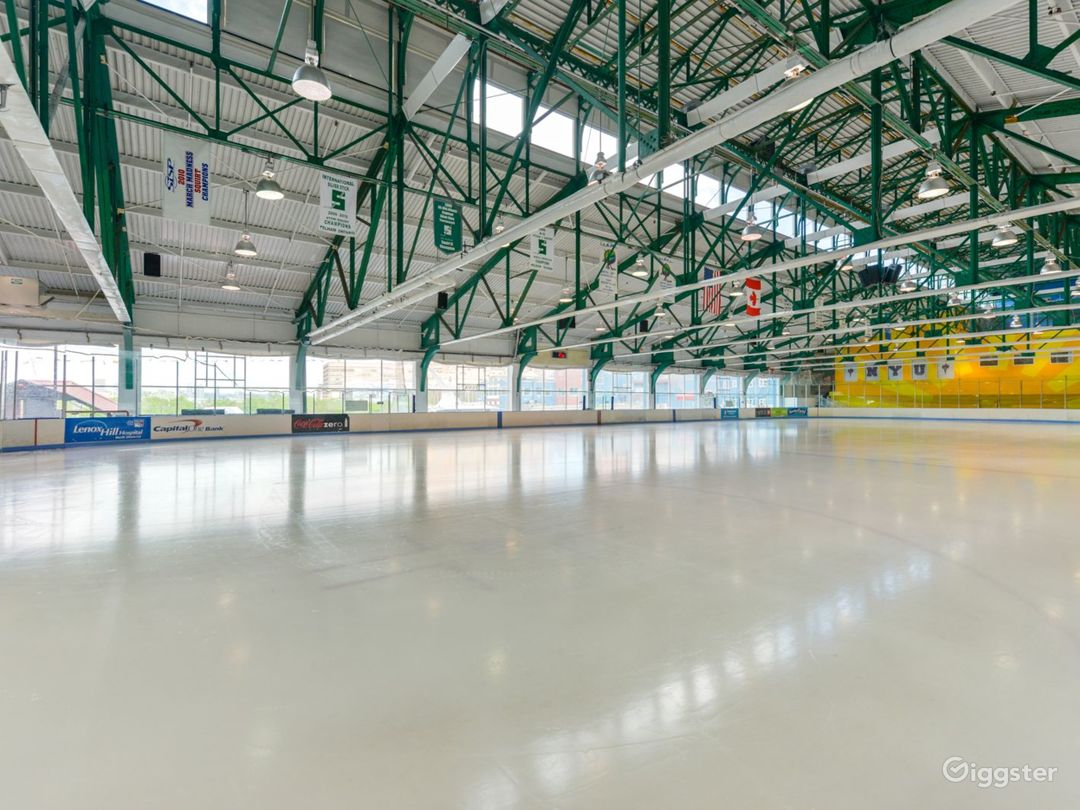 Sky Rink at Chelsea Piers features two indoor full-size twin rinks.