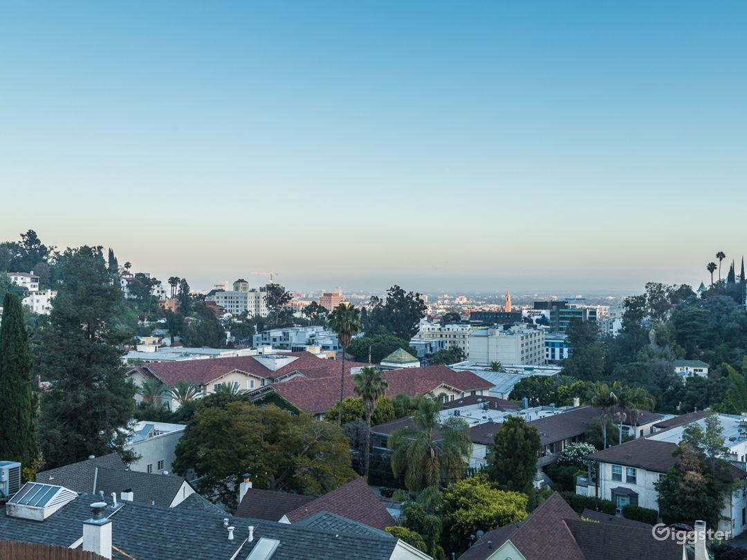 Movie Home-Walk to Hollywood Blvd & Hollywood Bowl Photo 2