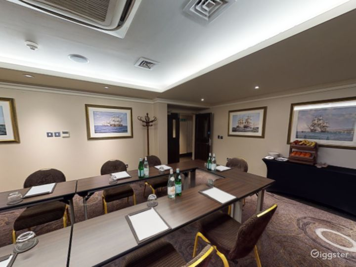 Private Room 4 for up to 28 guests in Cromwell Road, London Photo 4