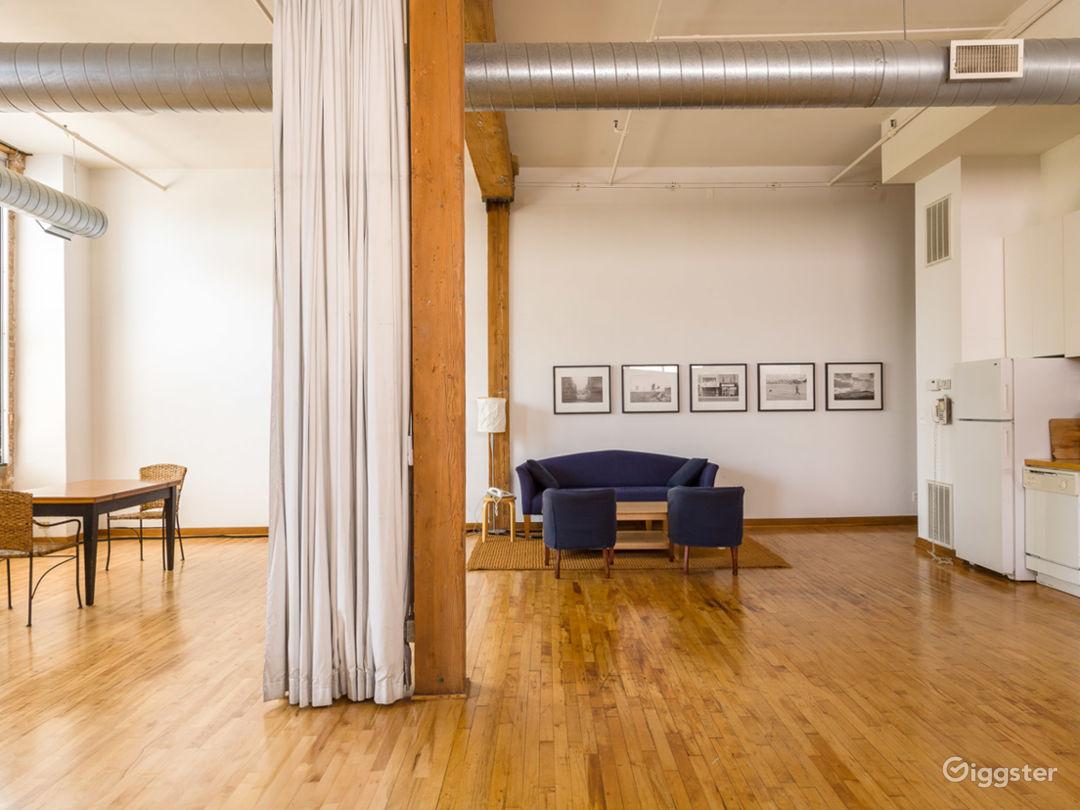 Logan Square loft studio Photo 1