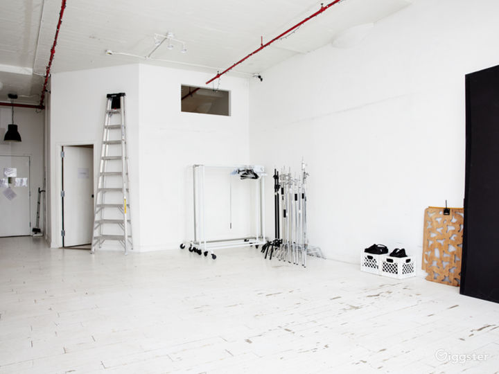 Gaff/grip equipment, 4 styling racks with hangers included in your rental for free.