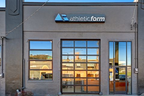 Downtown Spacious Fitness Facility with 120 yards