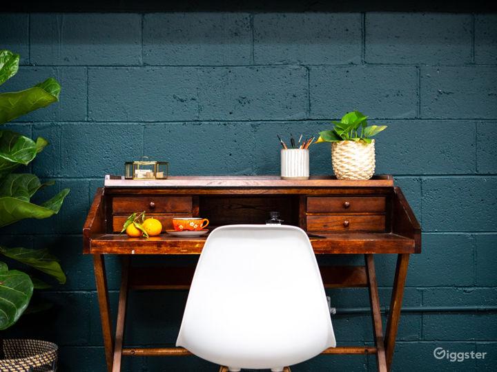 Tropical Midcentury Modern Writers Room Photo 2