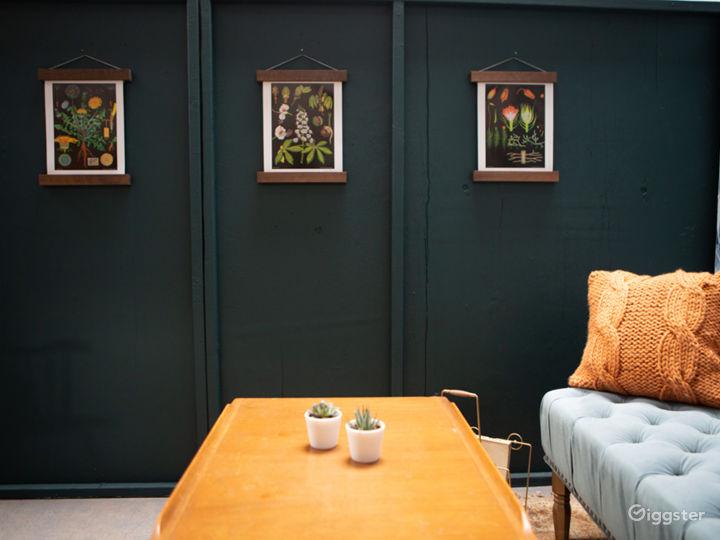Tropical Midcentury Modern Writers Room Photo 5
