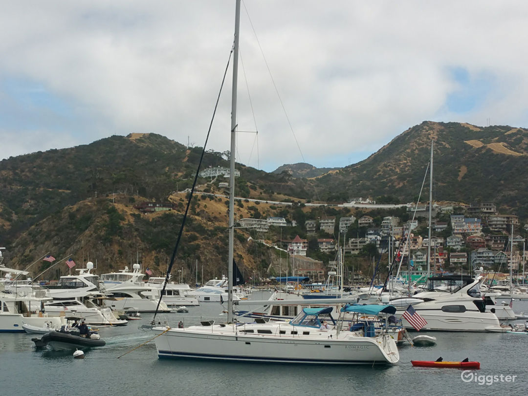 50' Sailboat Perfect for Photos or Filming Photo 3