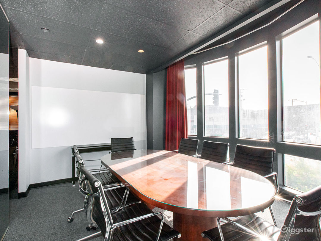 Conference Room for Meetings! Photo 2