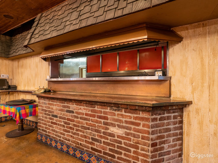 NEW - Valley Restaurant with Bar and Kitchen  Photo 3
