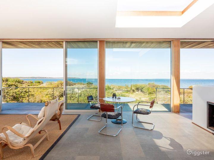 Contemporary beach home: Location 5258 Photo 2