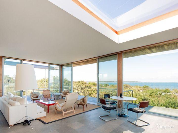 Contemporary beach home: Location 5258