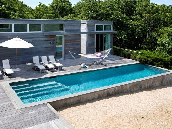 Contemporary beach home: Location 5258 Photo 5