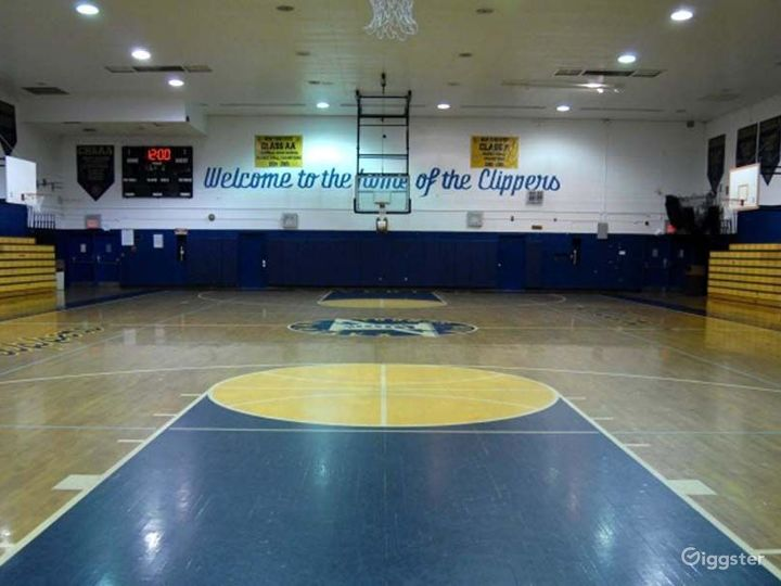 School basketball gym facility: Location 4248 Photo 4