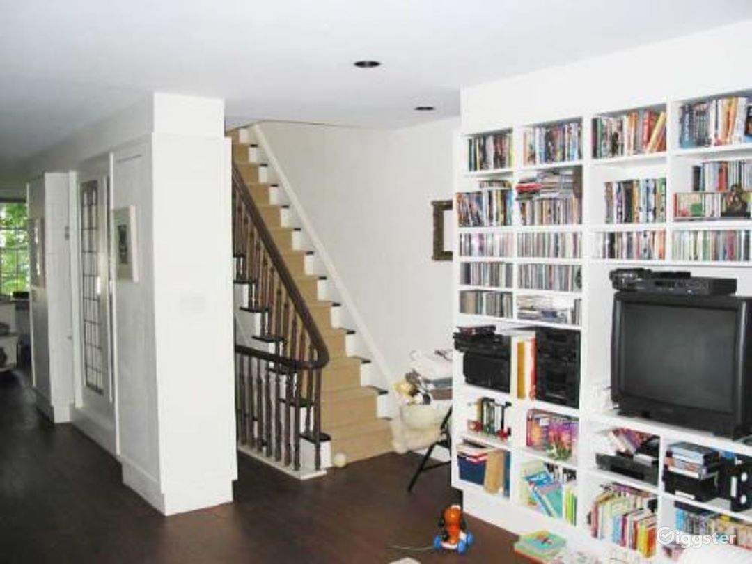 Townhouse apartment with deck: Location 2786 Photo 1
