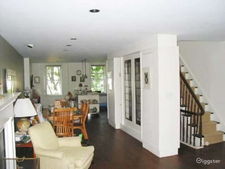 Townhouse apartment with deck: Location 2786 Photo 2