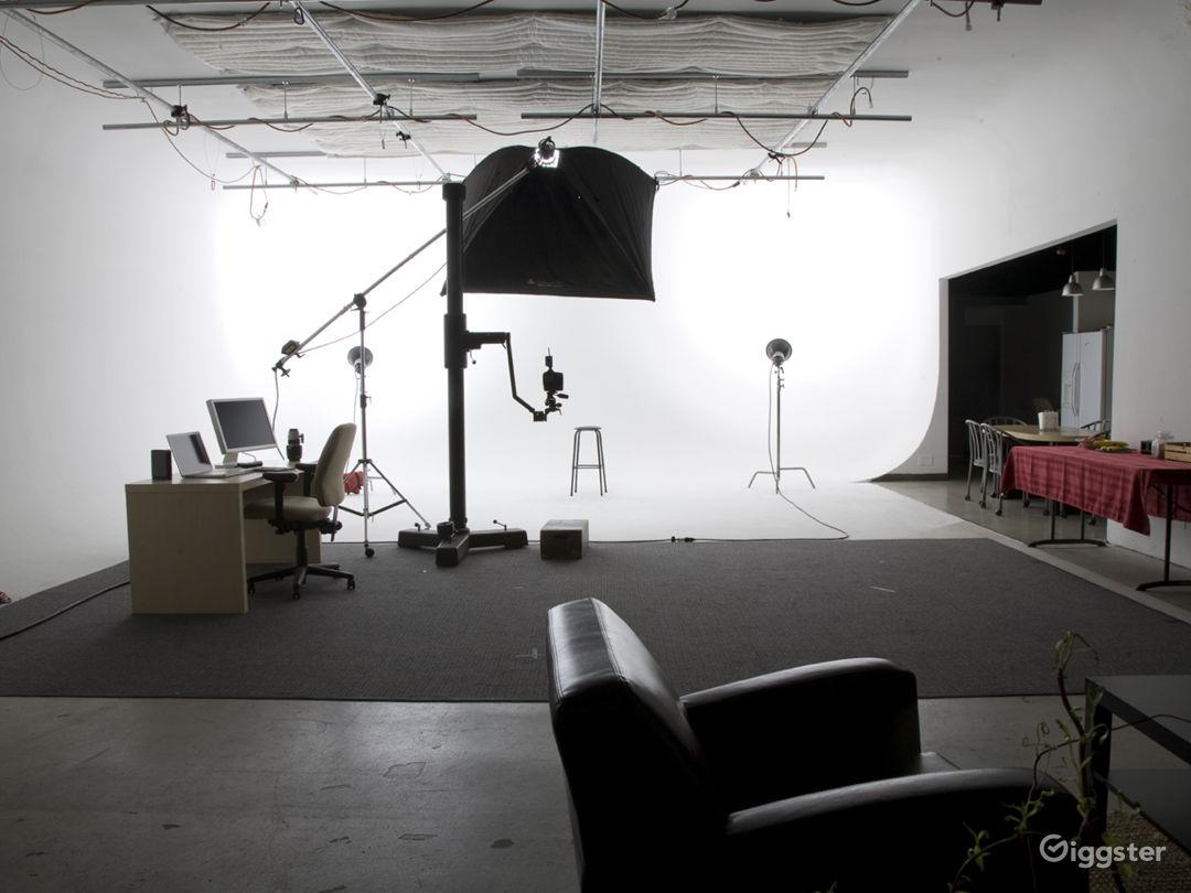 Orange County Video Production Studio w/White Cyc Photo 3