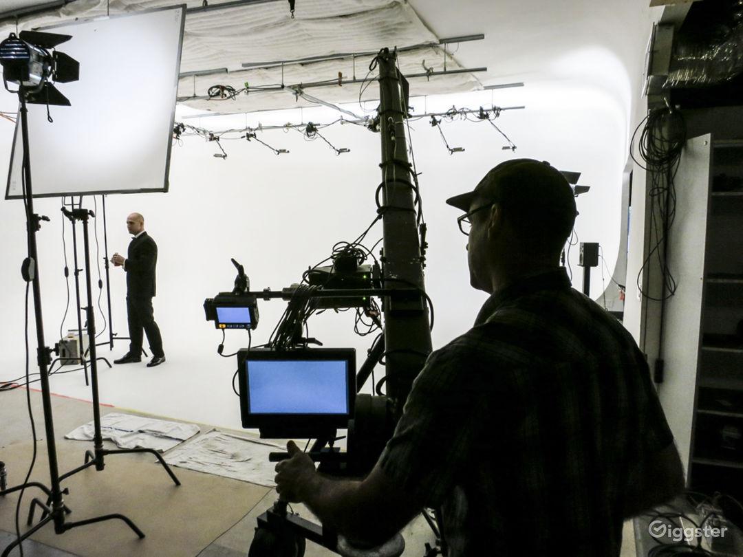 Orange County Video Production Studio w/White Cyc Photo 4