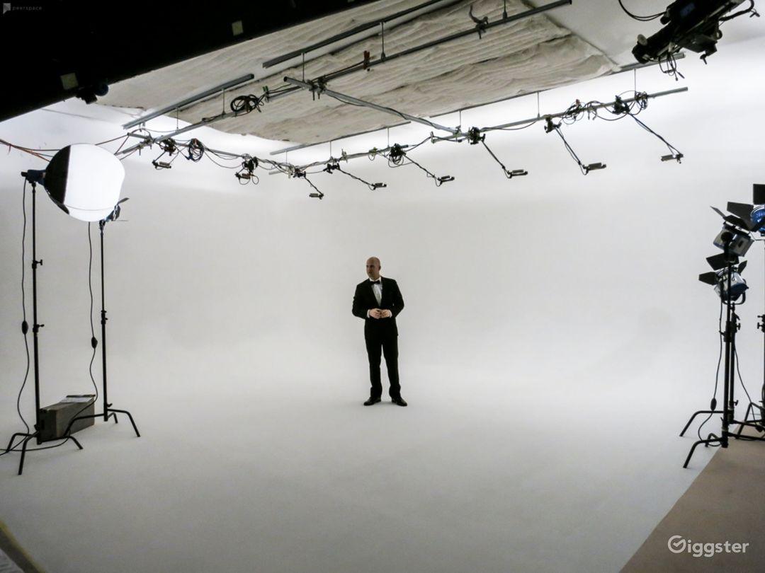 Orange County Video Production Studio w/White Cyc Photo 1