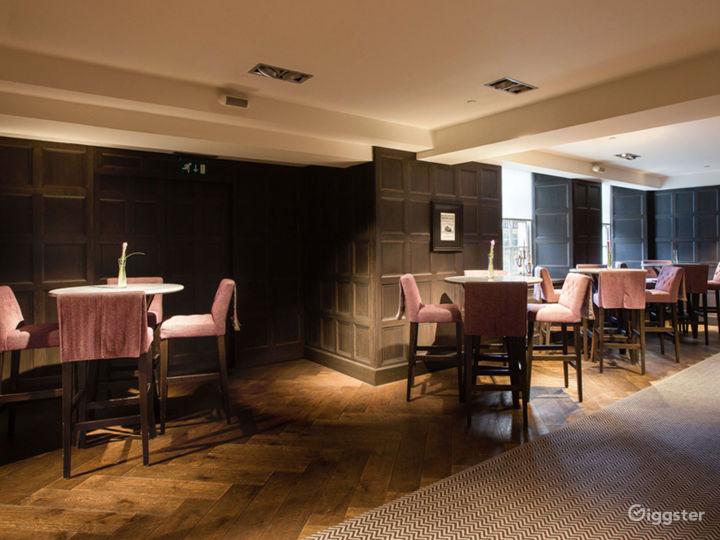 Low-ceilinged Club Room in Glasgow Photo 2
