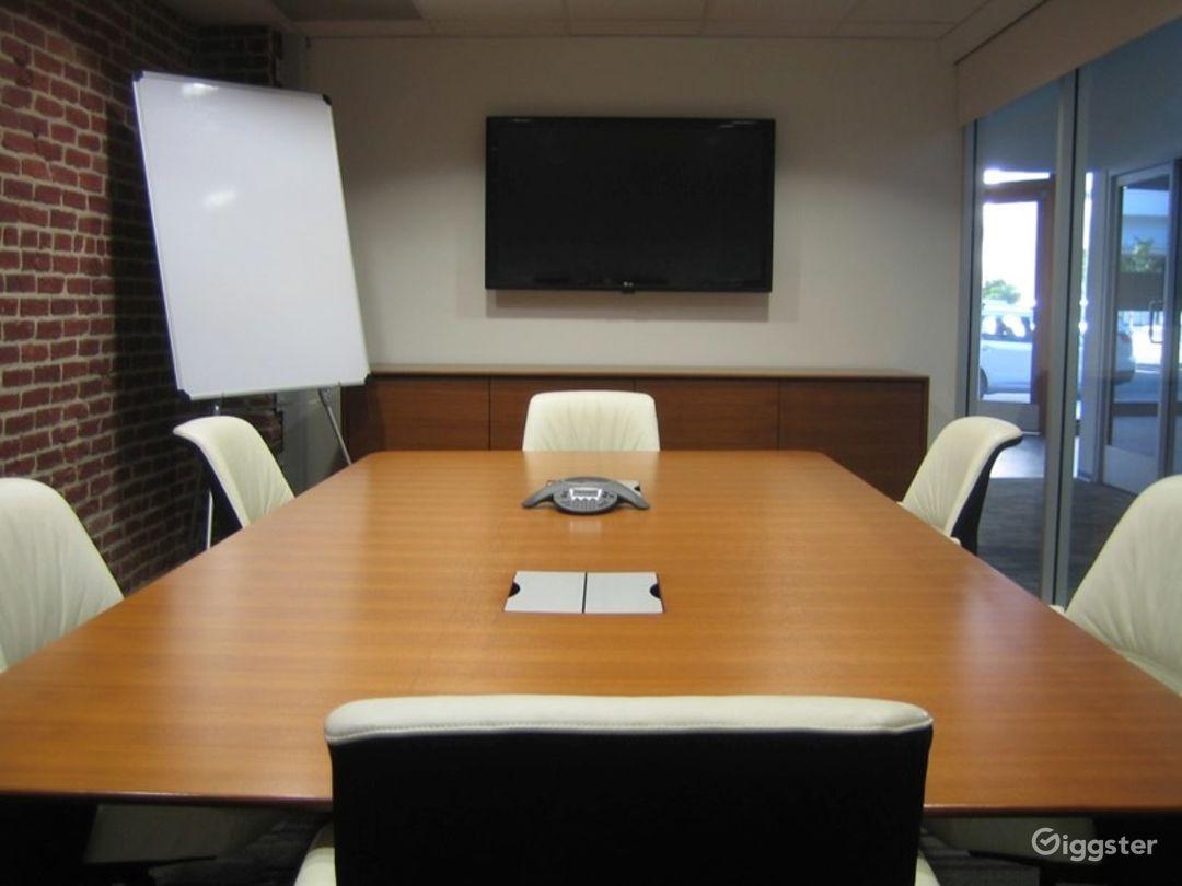 Light Filled Medium Conference Room Photo 1