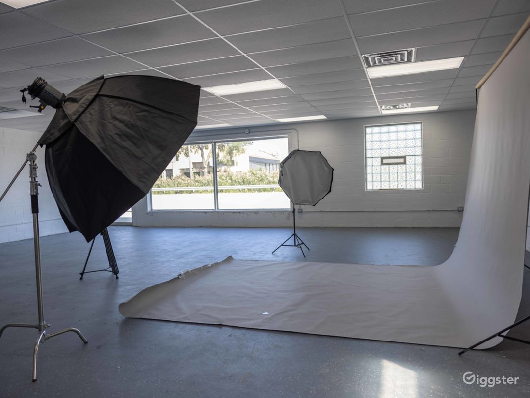 Photography Video Production Studio Gallery space Photo 1