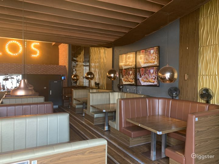 Luxurious and Spacious Dessert Lounge  Photo 5