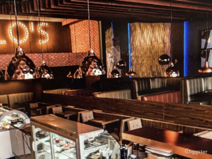 Luxurious and Spacious Dessert Lounge  Photo 4