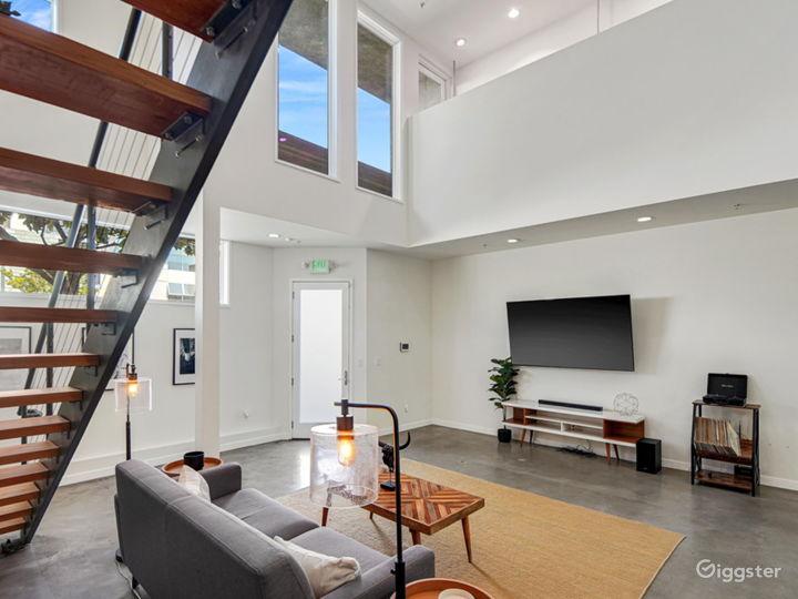 Unique Modern Contemporary Loft with Natural Light Photo 5