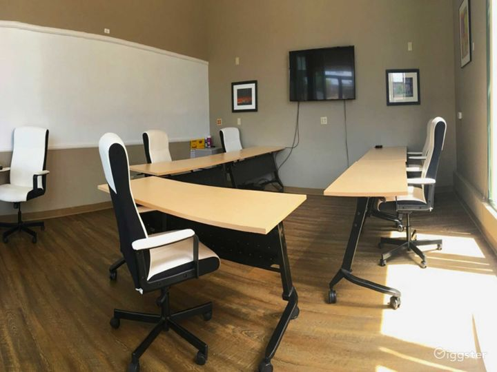 Natural-Lit Conference Room in San Rafael Photo 5