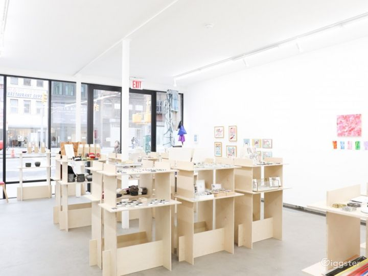 An Electric Space in Bowery Photo 3