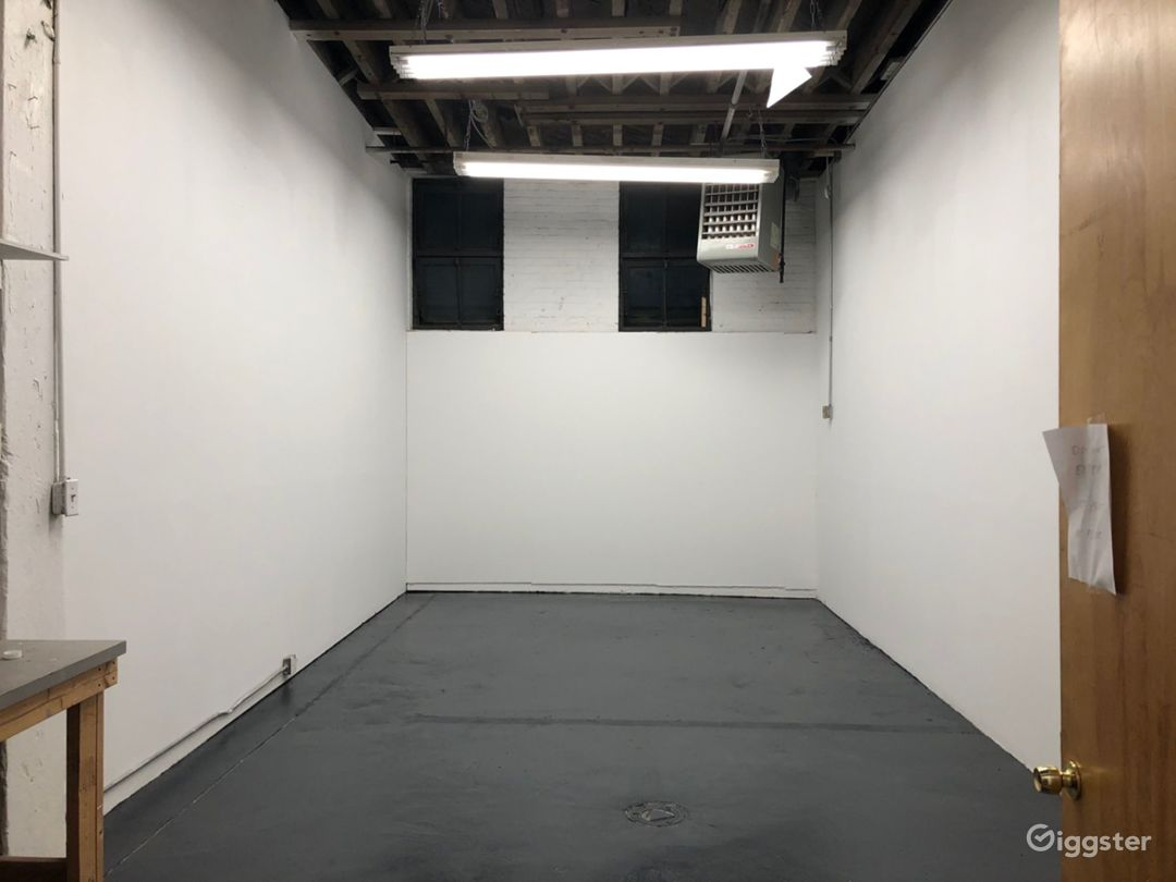 Simple, Clean Studio For Your Project Needs Photo 1