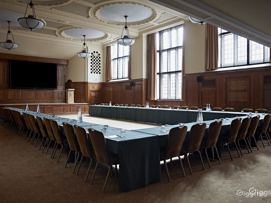Hoare Memorial Hall in London Photo 1