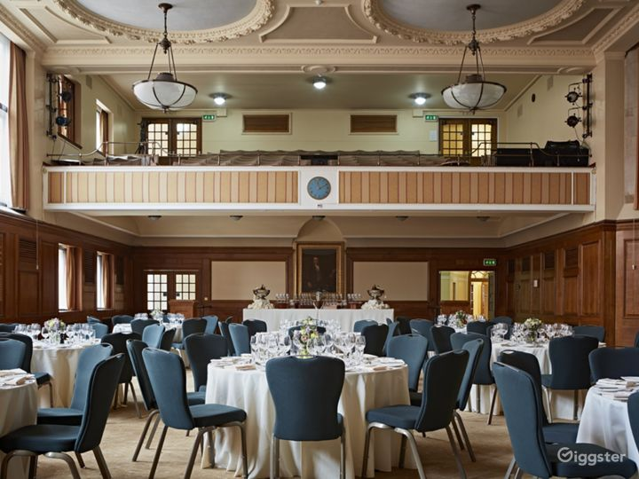 Hoare Memorial Hall in London Photo 3