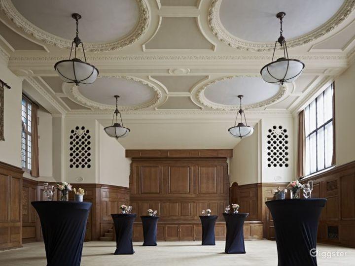 Hoare Memorial Hall in London Photo 5