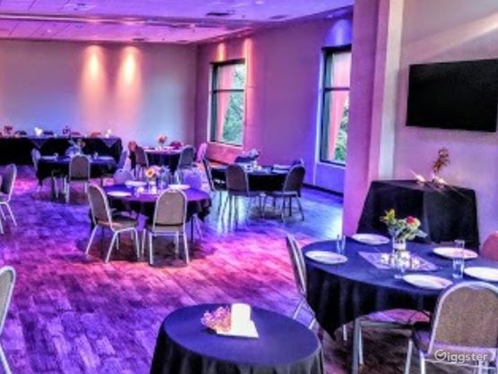 Fully Equipped Banquet Room in Bloomington Photo 5